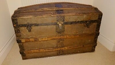 Vintage wood and metal barrel/dome top travelling trunk saratoga storage chest