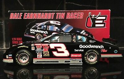Dale Earnhardt Sr. 1:24 #3 Goodwrench Service Plus Franklin Mint Tin Racer