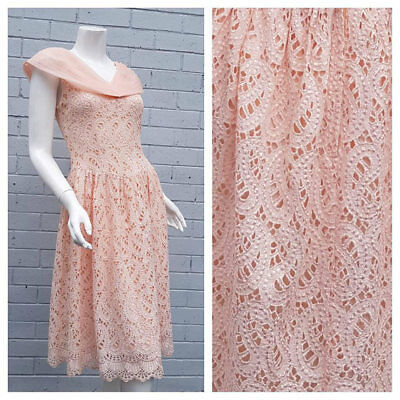 Vintage 1950s Blush Pink Organza Embroidered Fit Flare Scallop Hem Prom Dress S