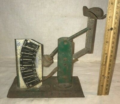 Antique Unmarked Green Tin Litho Egg Scale Vintage Chicken Farm Tool Grader Old
