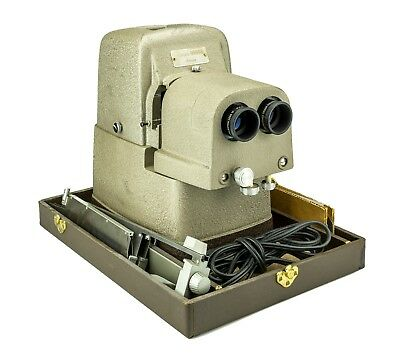 Bell & Howell Vivid Deluxe Model 716A Stereo Projector w Case ~ WORKING!