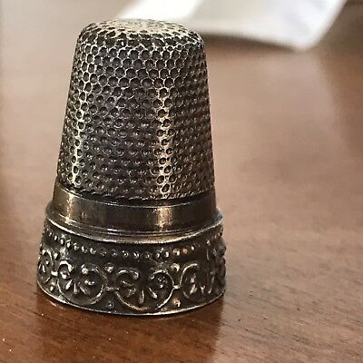 Vintage Sterling Silver Thimble Decorative Band Size 8 ? Tall 4 Gr