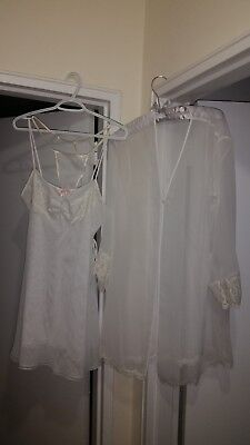 Oscar De La Renta 3-p set (nightgown, string underwear, robe), white, L, new