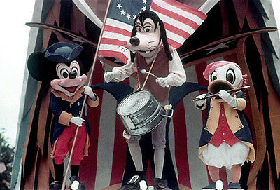 Disneyland and Walt Disney World - America on Parade - photos on CD