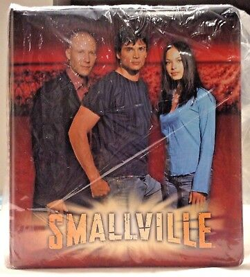 New Smallville Season 2 Non Sport Trading Card Binder Merch Tom Welling Inkworks