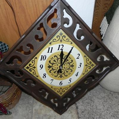 #2113 Vintage Square Stands Diagonal LUX Robert Shaw Metal Face Wall Clock REtro