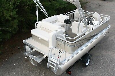 1675 Sport cruise rear bench fish with 25 hp and single bunk trailer.