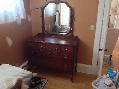 Antique 5 piece Bedroom Set (full size bed)