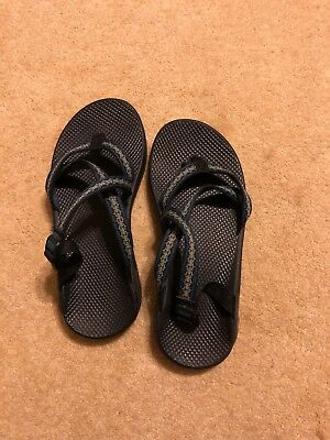 mens chaco sandals size 11