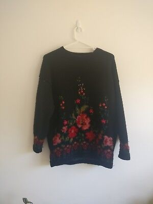 Oversized Vintage Sweater/Jumper With Floral Knitted Pattern - Size L