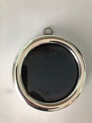 Victorian silver photo frame 4.75 inches diameter, London 1901