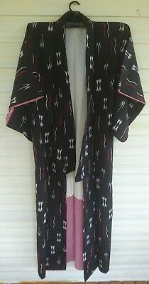 Fab Black With Red / White Pattern Silk Vintage Japanese Full Length Kimono