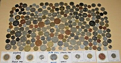 ~ Big Foreign Coin Lot With Carded Coins ~ 2 Pounds ~ 225+ Coins ~ (#77)