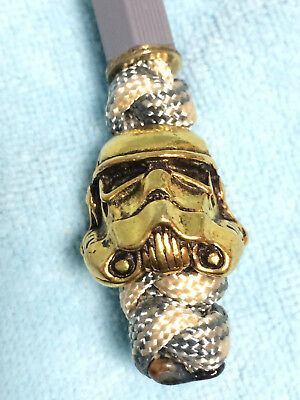 """Paracord Anhänger Lanyard mit Pewter """"Stormtrooper Helm"""" Gold"""