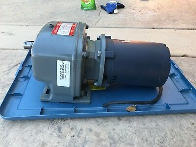 Dayton 4Z720A Speed Reducer gearbox with  1/2 HP 208-230 leeson motor