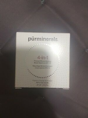 PUR MINERALS COSMETICS 4-in-1 Mineral Makeup Foundation LIGHT