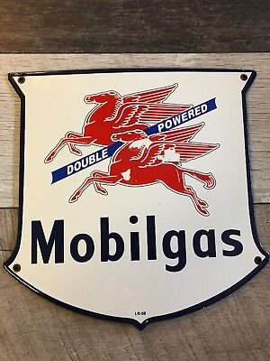 Mobilgas Mobiloil Double Powered Porcelain Pump Plate Or Lubester Sign. I.r-59