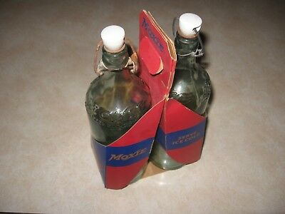 Vintage Moxie Soda Bottle Cardboard Carrier With Bottles