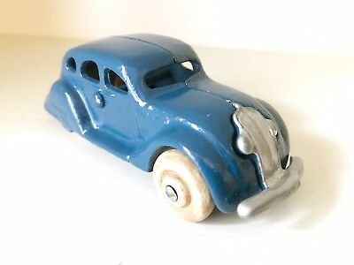 ARCADE CAST IRON AIRFLOW - HARD TO FIND 1930's VINTAGE - VERY GOOD CONDITION CAR