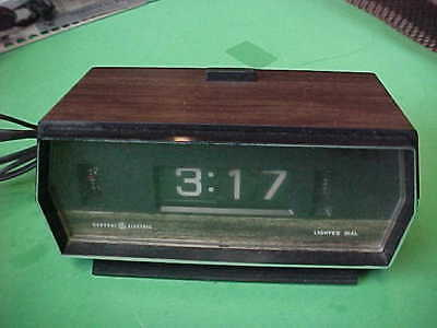 Vintage GE Lighted Dial Electric Flip Alarm Clock