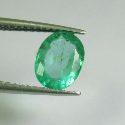 """0.98 Ct - Natural Emerald - """"vs-2"""" Luster Green - Oval Cut - Zambia - Untreated"""