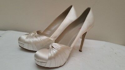 Rainbow Bridal Cream Shoes  Wedding Heels good condition and comfortable