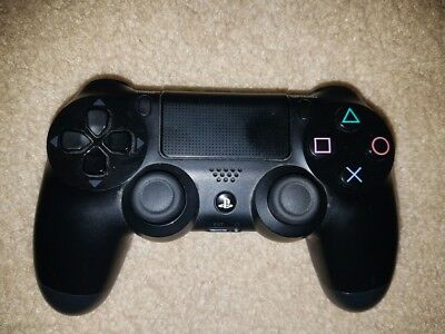 DualShock 4 Wireless Controller for PlayStation 4 - Jet Black (USED)