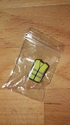 badge insigne gilets jaunes en pins - lot de 5 pin's + cartes