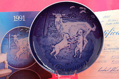 1991  Nanny goat with kids ~  Bing & Grondahl Mother's Day plate ~ mors dag