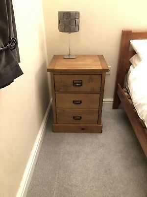 Solid Oak - Bedside Drawers - Great Condtion