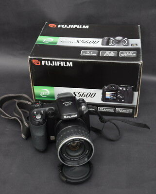 Fujifilm Finepix S5600 Digital Camera, Box, Memory Card, Paperwork A/F