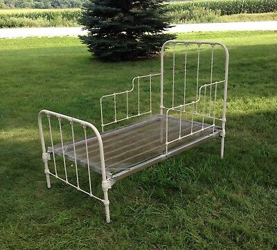 Wrought Iron Day Bed or Youth Bed Antique