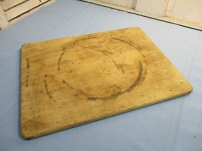 Beautiful Primitive Bread or Cheese Board, Great Early Reinforced Ends