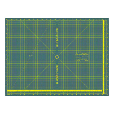 Foldable Cutting Mat | 600 x 450 x 1.8mm | 24in x 18in | Sew Easy ER4094