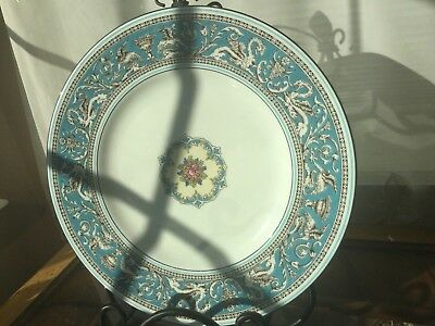 Wedgwood Florentine Turquoise Dinner Plate 10 3/4 in excellent