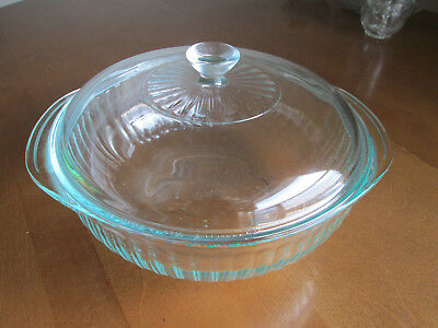 Vintage Pyrex Ribbed 024 Casserole / Baking / Serving Dish With Pyrex 624C Lid