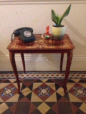 Mid 20th Century Sorrento Inlaid Floral Marquetry Side Table Coffee Plant