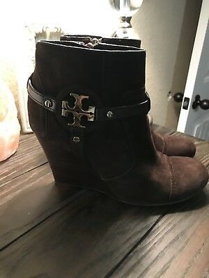 628e0eff2 Tory Burch Women s Sz 8 Brown Suede Wedge Booties Boots Shoes Gold Logo