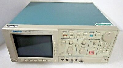 TEKTRONIX TDS 820 6GHz TWO CHANNEL DIGITIZING OSCILLOSCOPE