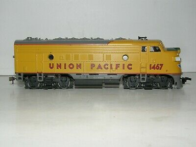ATHEARN HO scale UNION PACIFIC # 1467 LOCOMOTIVE F-7 DIESEL