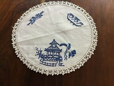 vintage Blue Willow doily hand made