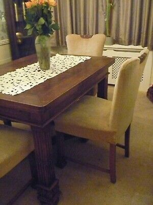 Antique medium oak extending Dining Table & 4 chairs with carved decorative legs