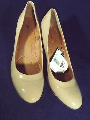 51aa698a18c5 Jaclyn Smith TORI Nude Patent DRESS PUMP Shoes Heels Women s Size US 9M ...