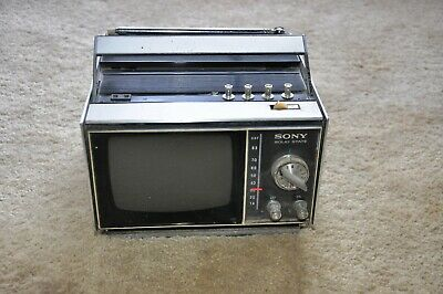 Small Sony vintage black and white ac/dc TV