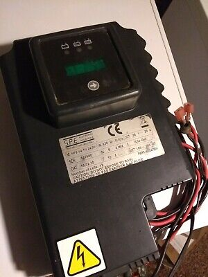 Tennant T5 battery charger (1050399)
