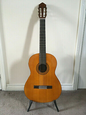 YAMAHA C40 Acoustic Guitar Full Size 4/4 Classical Spanish Nylon 6 String