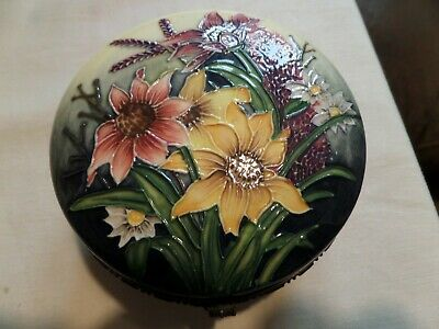 Superb Moorcroft Style Tube Lined Trinket Box And Lid Mark To Base