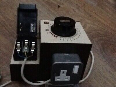 R,S, Variable Transformer 230/240v input AC 0-275 vac out 2.5 amps max