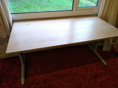 Office Computer Desk or Table Good Condition