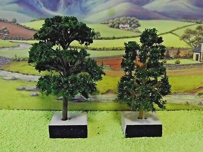PACK of  8  MODEL TREES (Dark Green & Two Sizes ) for Scenery 1/76 /OO  ( New )